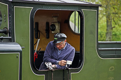 The driver of B473 at Horsted Keynes
