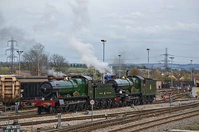 4965 'Rood Ashton Hall' and 5043 'Earl of Mount Edgcumbe' at Didcot