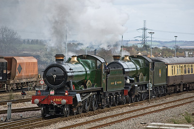 4965 'Rood Ashton Hall' and 5043 'Earl of Mount Edgcumbe' departing Didcot
