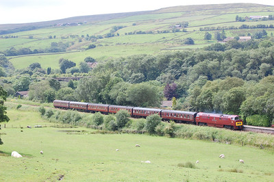 D1062 'Western Courier' approaching Irwell Vale