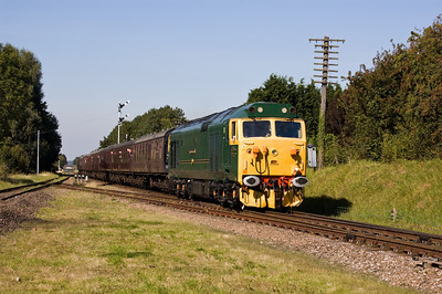 50007 'Sir Edward Elgar' approaching Quorn & Woodhouse