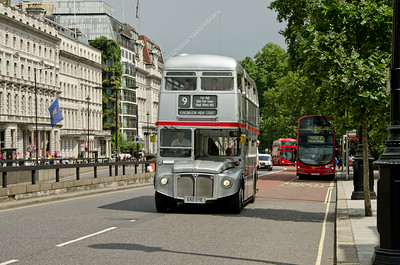 SRM3 (RM1650) heads towards Hyde Park Corner