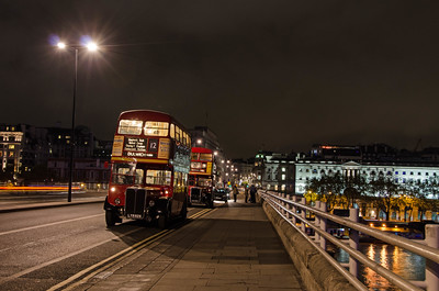 RT2775 and RTL139 on Waterloo Bridge