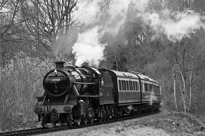 42968 approaching Highley