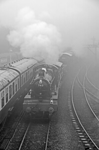 7812 'Erlestoke Manor' arriving out of the fog at Bridgnorth