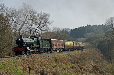 7812 'Erlestoke Manor' accelerating away from Sterns