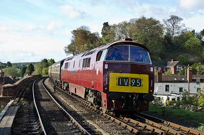 D1062 'Western Courier' at Bewdley