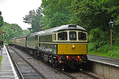 D6575 and D1661 'North Star' arriving at Crowcombe Heathfield