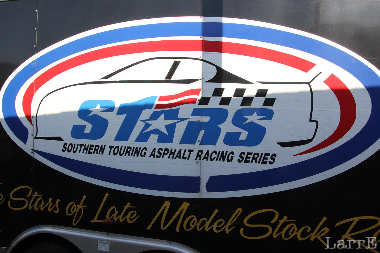 the UARA-Stars series late models are racing here tonight.