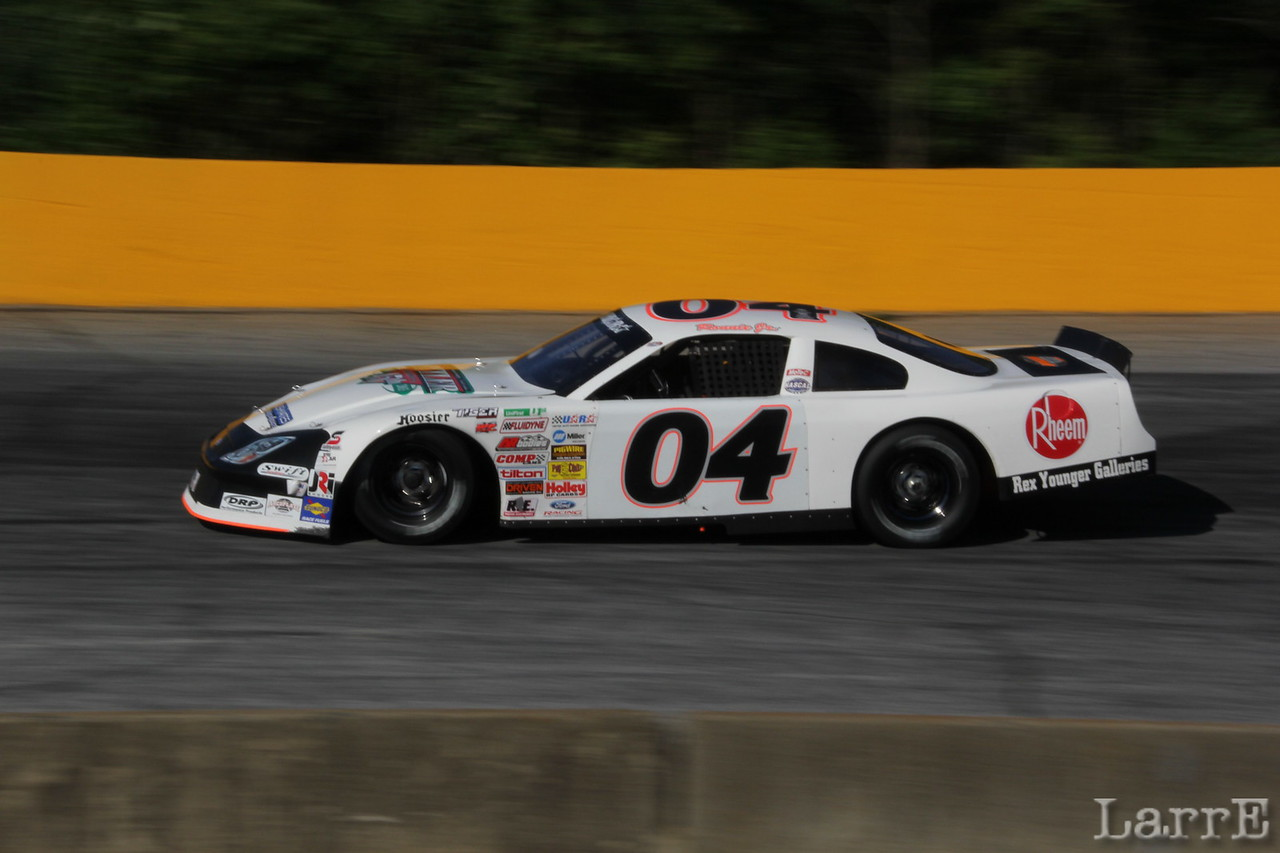 #04 Ronnie Bassett lead only two laps...the LAST TWO!
