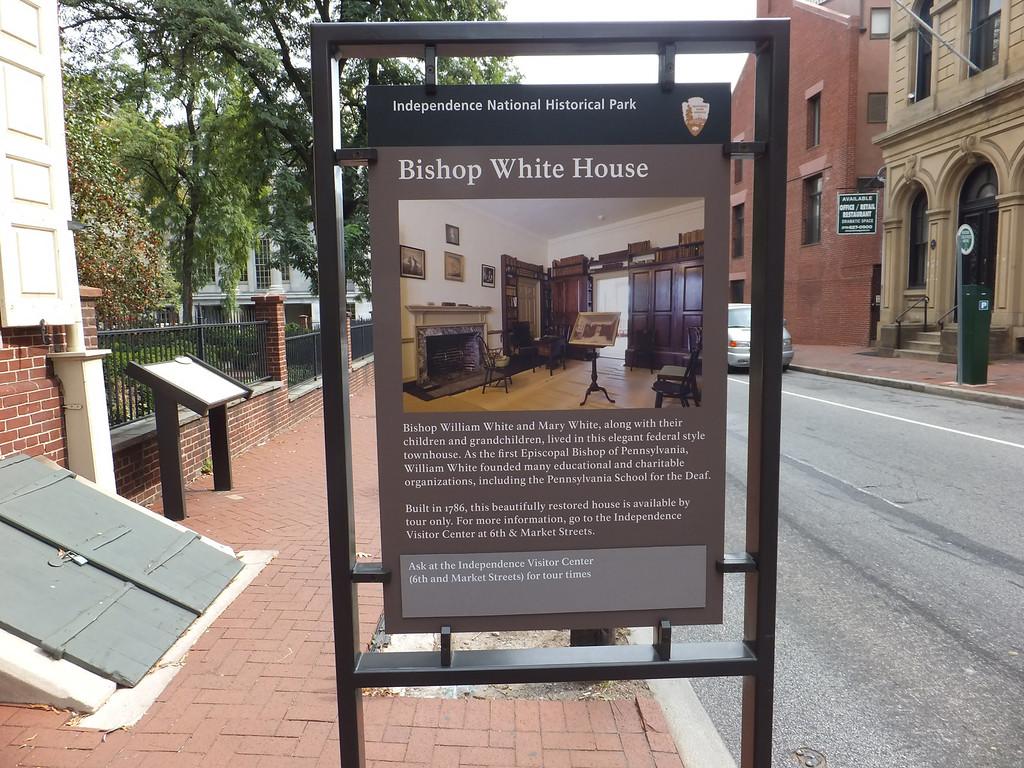 """有錢人之家<br /> 請參考 <a href=""""http://www.ushistory.org/tour/bishop-white.htm"""">http://www.ushistory.org/tour/bishop-white.htm</a>"""