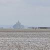 Journée de grande marée, le Mont Saint-Michel en toile de fond