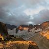 Massif du Mont-Blanc : bivouac à la Tête du Couvercle, vu sur les Grandes Jorasses... majeur.
