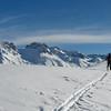 Rando dans le Beaufortain, vue sur les hauts sommets dont la Pierra Menta