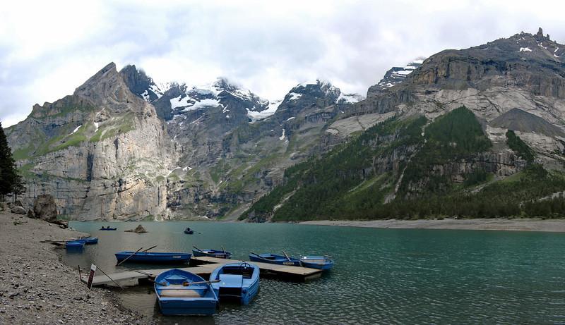 Alpes bernoise en amont de Kandersteg : Oeschinensee