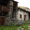 Au cœur du hameau de l'Ecot.<br /> A 2000m d'altitude, ce village fût habité à l'année jusqu'en 1960... un sacré défi.<br /> (Bonneval-sur-Arc, Haute-Maurienne)
