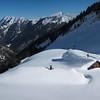 Le chalet d'alpage des Drison croule sous la neige de l'hiver 2013