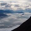 Comme d'hab durant l'automne 2014, flux de sud et foehn.<br /> La vallée de l'Isère sous la crasse, les sommets un peu plus ouverts.<br /> (Col des Sauces, Bauges)