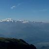 Alpes Valaisanne et Mont-Blanc, au premier plan les remontées de Cran Montana