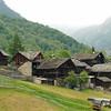 Tour du Mont-Rose : habitat permanent dans le Val d'Aoste. Des vallées magnifiques.