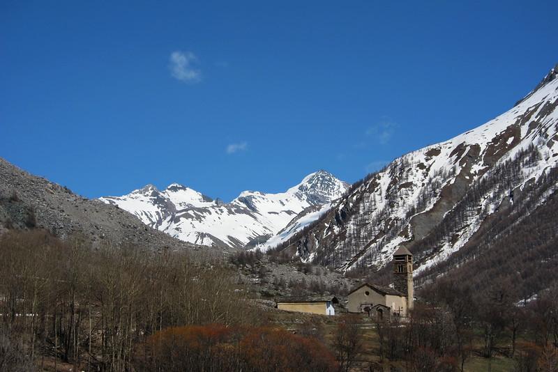 Maljasset, dernier hameau habité de Saint-Paul-sur-Ubaye. <br /> 2000m tout de même, on est loin du contexte Alpes du Nord !