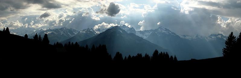 Temps orageux sur Belledonnes depuis le Col du Chaussy