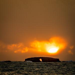 Le soleil a rendez-vous avec la Rocher percée