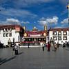 Le Temple Jokhang et la Place Barkhor - Lahassa - Tibet -
