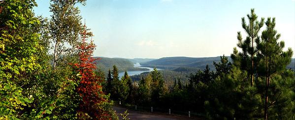 Lac Wapizagonge- Parc de la Mauricie 2001