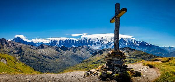 Vue du Massif du Mont-Blanc prise du col d'Anterme