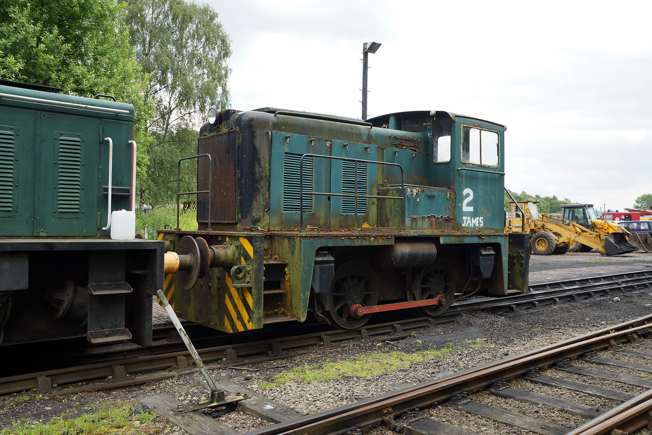 SH 2675 James YE 0-4-0DH  21,06,2014   (From Derwent Valley)