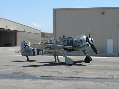 FW-190 Planes of Fame prep before airshow