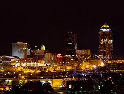 Des Moines at Night - 40w x 30h - Color  No Border