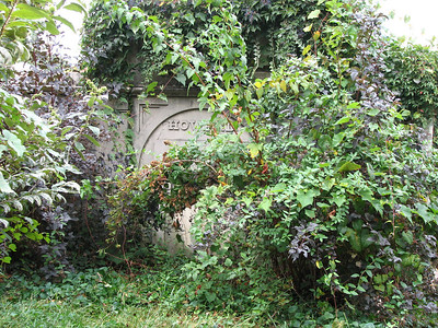 Peggy Chew Grave ( Margaret Oswald Chew Howard )