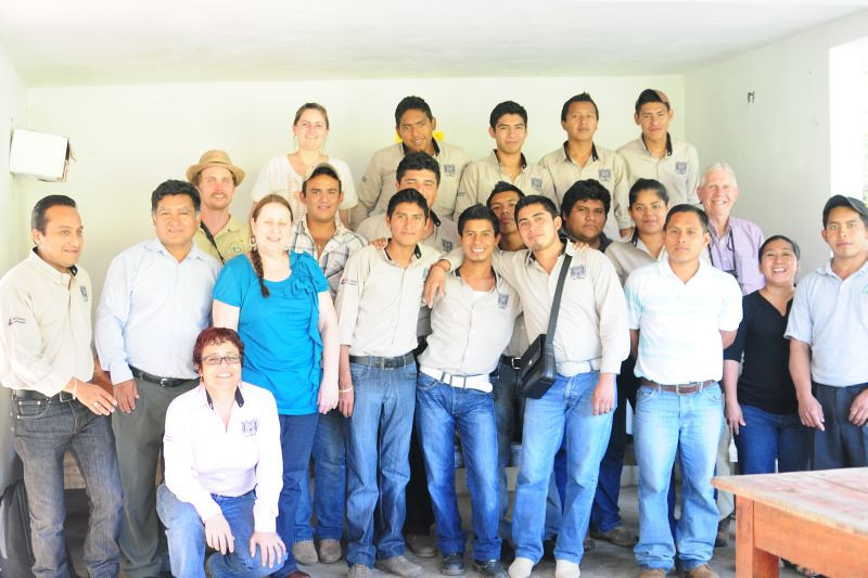 """Students studying various disciplines related to nutrition, agriculture and rural development at the local campus of the state university of Chiapas (<a href=""""http://www.unach.mx/"""">UNACH</a>) visit the Pej Pem center. Amextra fulfills its educational mission, in part, by helping young people learn about more sustainable agriculture and care of the environment."""