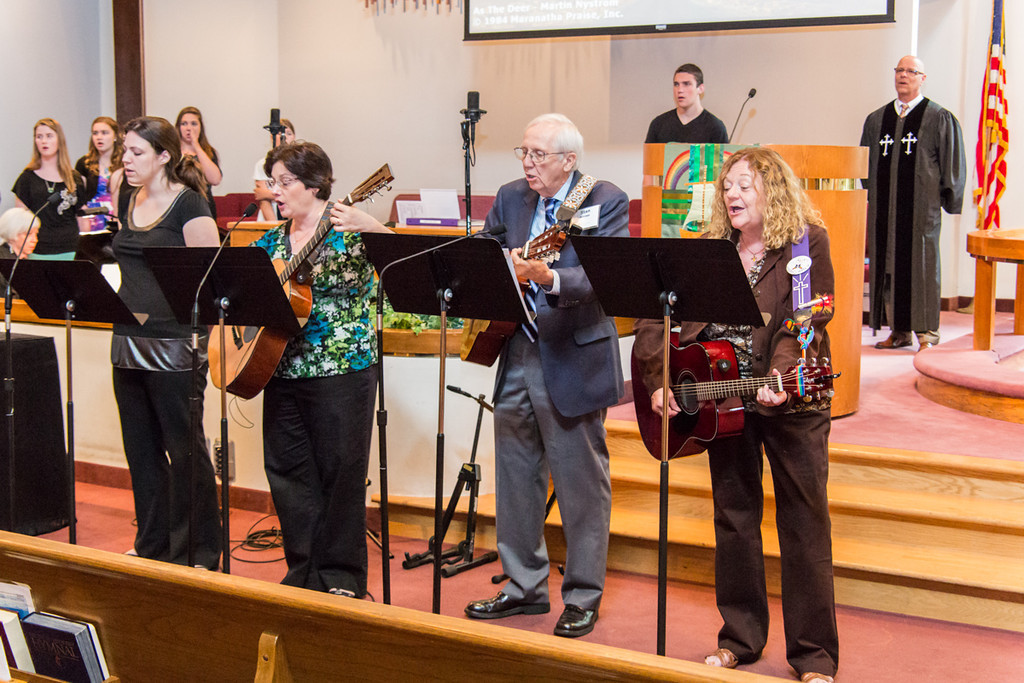2013-06-16_[022]_PUMC Praise Band