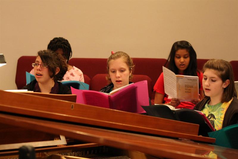 PUMC Youth Choir Rehearsal 2009-03-15 (28)