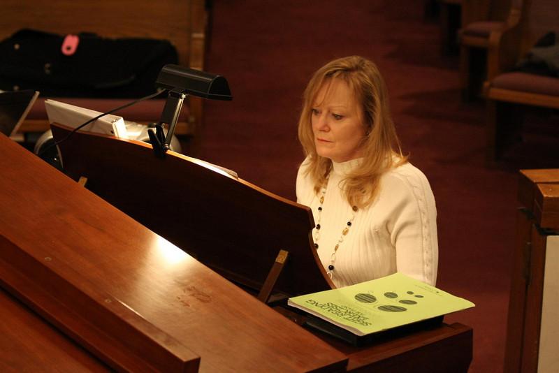 PUMC Youth Choir Rehearsal 2009-03-15 (4)