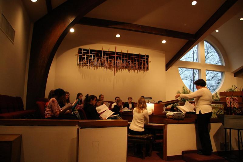 PUMC Youth Choir Rehearsal 2009-03-15 (32)