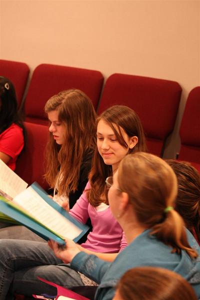 PUMC Youth Choir Rehearsal 2009-03-15 (16)