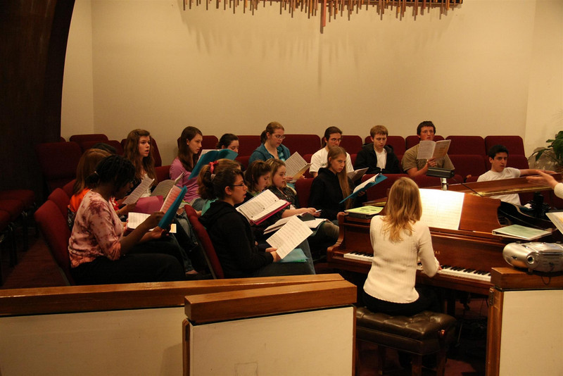 PUMC Youth Choir Rehearsal 2009-03-15 (42)