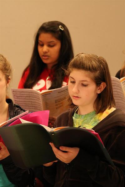 PUMC Youth Choir Rehearsal 2009-03-15 (14)