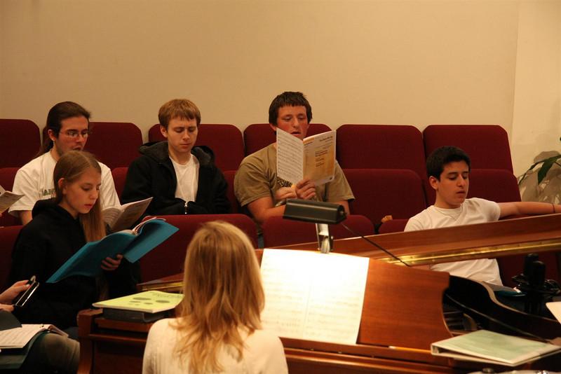 PUMC Youth Choir Rehearsal 2009-03-15 (18)