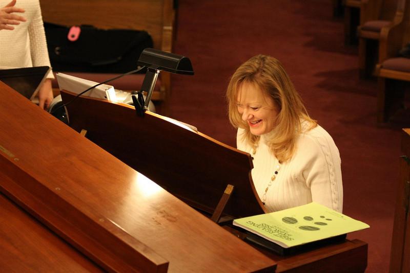 PUMC Youth Choir Rehearsal 2009-03-15 (36)