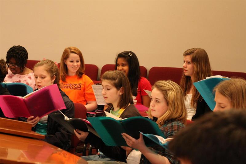 PUMC Youth Choir Rehearsal 2009-03-15 (38)