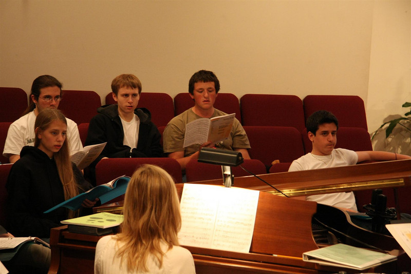 PUMC Youth Choir Rehearsal 2009-03-15 (13)