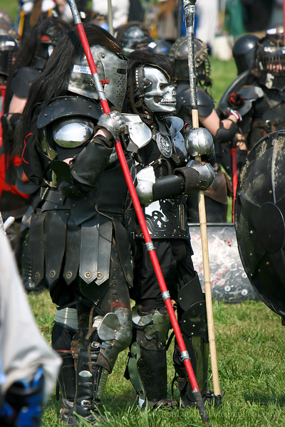 Minimal, clan leader of the Hillcats, and Bytor, Warlord and second in command of the Kur Field Battle - Pennsic War 33 08-16-2004