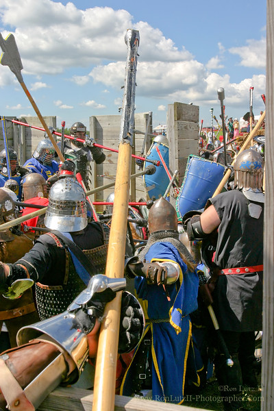 This image was used as the cover for the Pennsic War XXXIX event book in 2010.