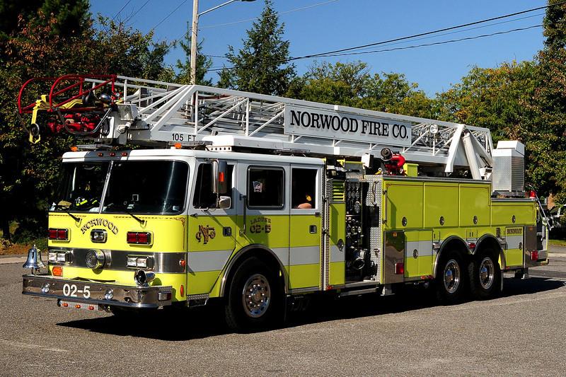 Norwood Fire  Co   Ladder  02-5  1992  Pierce Arrow  1250/ 200 /105 ft