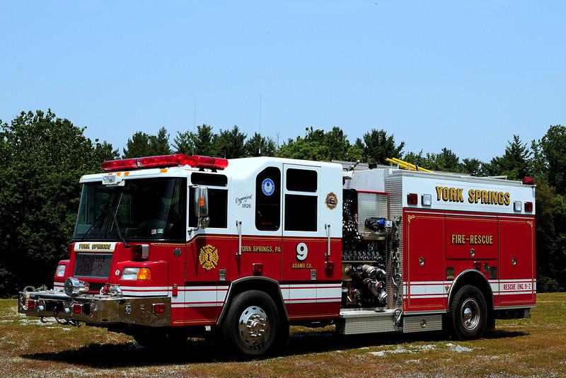 York Springs  Fire Dept    Rescue Engine 9-2  2003  Pierce  Quantum  2000/ 800